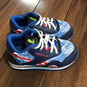 Reebok size 5.5 toddler st Jude research sneakers